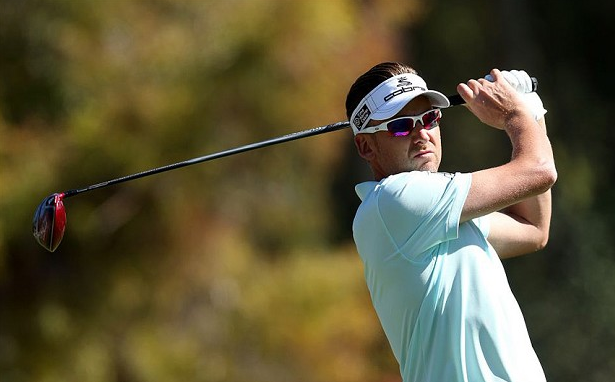 Ian Poulter Wearing Oakley Flak Jacket XLJ Golf Sunglasses at 2014 Masters Tournament