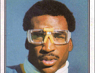 Prescription Football Visors: It's not a thing. Prescription Football Goggles Is.