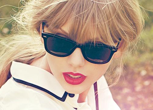taylor-swift-sunglasses-oval-face-ray-ban-wayfarers