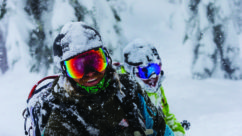 How to Buy Ski & Snow Goggles: The Ultimate Guide