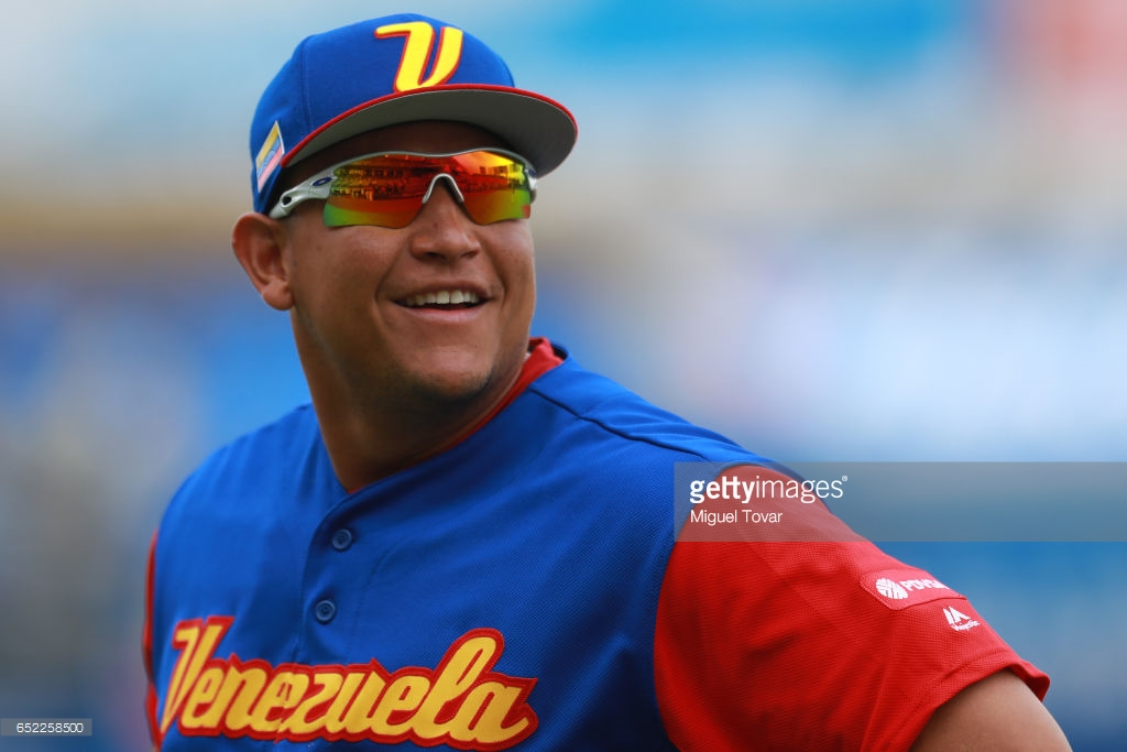 4124aaf86f ... where to buy venezuelas miguel cabrera wore oakley radar ev pitch  during the world baseball classic