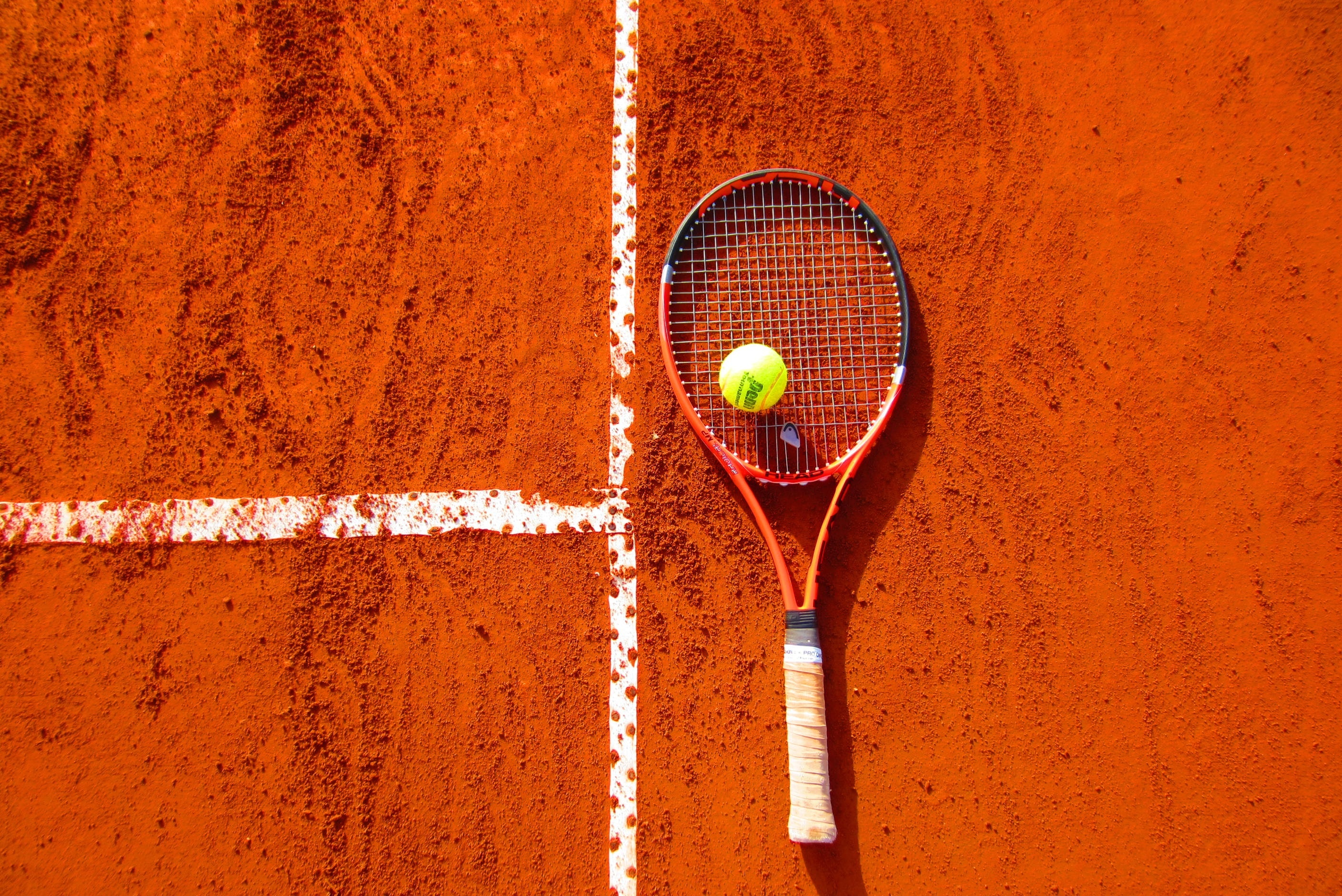What are the Best Lens Colors for Tennis? | Tennis Lens Guide